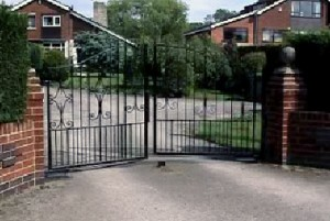 Automated gate installation gerrards cross